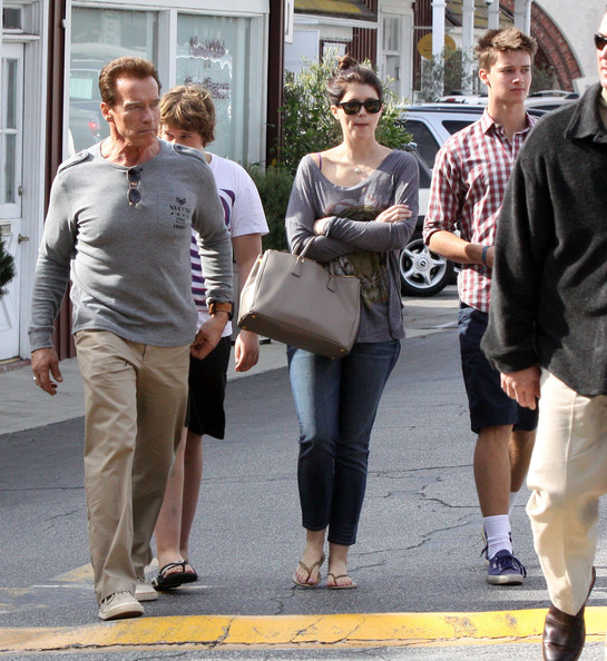 Arnold Schwarzenegger And His Kids At The Brentwood Country Mart
