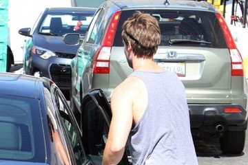 Patrick Schwarzenegger Patrick Schwarzenegger Leaving SoulCycle in Brentwood