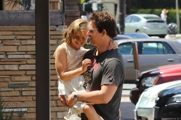 Peter Facinelli Peter Facinelli Lunches With Daughter and Dave Abrams