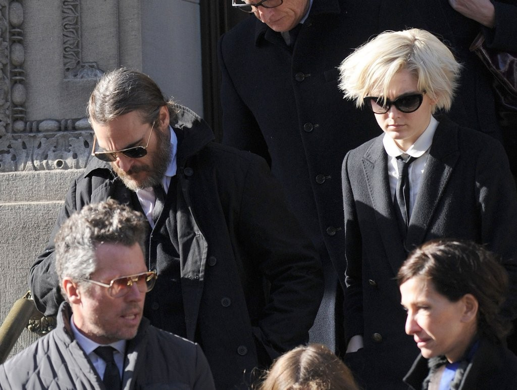 Joaquin Phoenix and Allie Teilz Photos Photos - Funeral ...