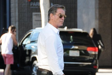 Pierce Brosnan Injured Pierce Brosnan Out For Lunch at Villa Blanca