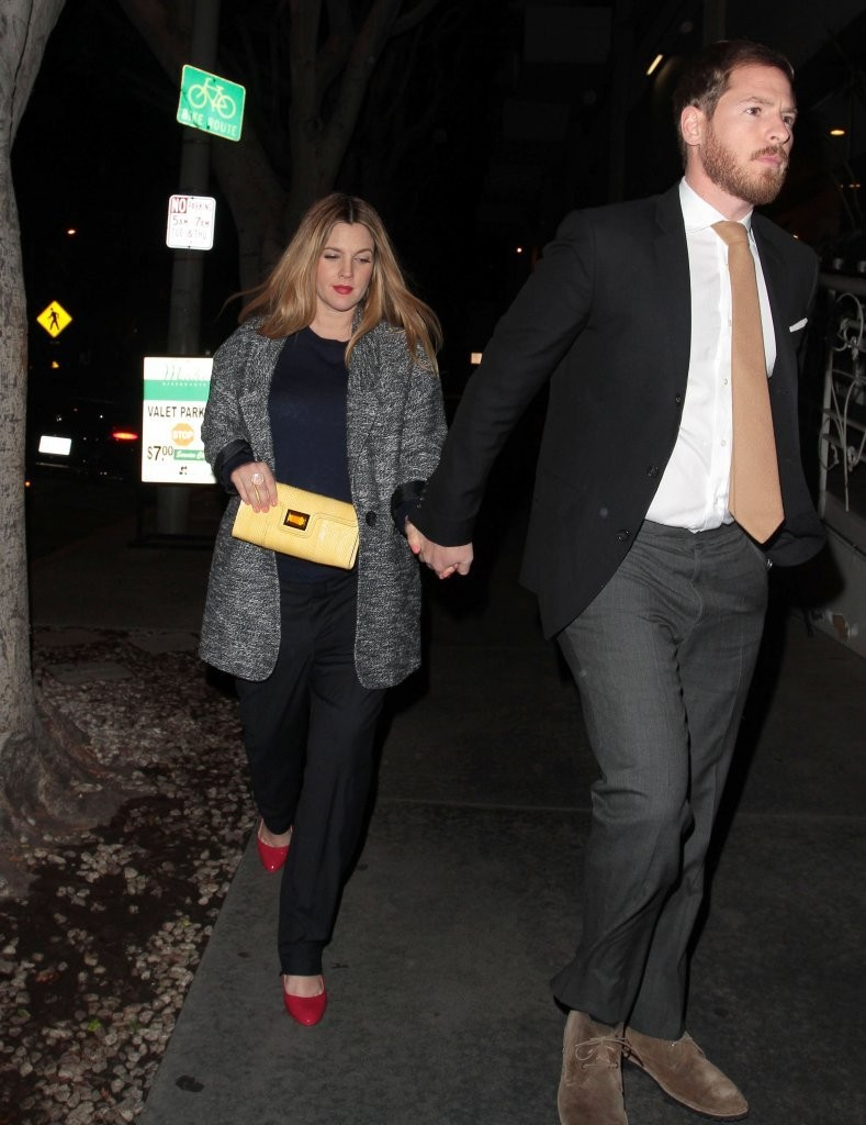 Drew Barrymore Photos Photos - Drew Barrymore and Will ... Milla Jovovich Pregnant