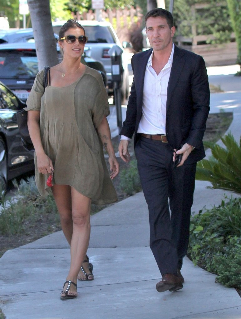 pregnant elisabetta canalis and brian perri lunch in west