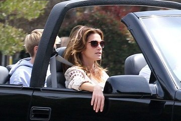 Presley Gerber Cindy Crawford & Family Out For A Top Down Cruise In Malibu