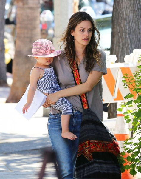 Rachel Bilson Leaves Pint Size Kids With Her Daughter