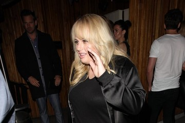Rebel Wilson The Jenner Sisters and Gigi Hadid Dine Out at The Nice Guy