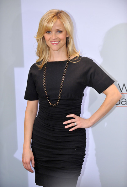 reese witherspoon wedding dress 2011. Reese Witherspoon Goes