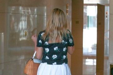 Reese Witherspoon Reese Witherspoon Visits Her Office in Santa Monica