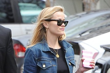 Reese Witherspoon Reese Witherspoon Enjoys the Sunshine