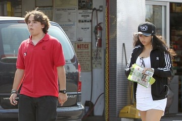 Remi Alfalah Prince Jackson and His Girlfriend Pick Up Snacks
