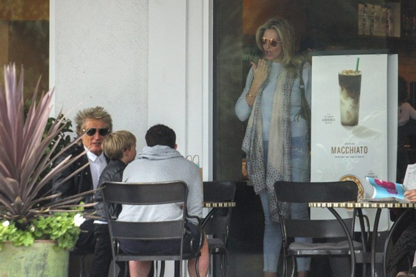 Rod Stewart and His Family Go to Starbucks in Bel Air