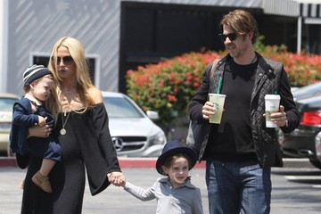 Rodger Berman Rachel Zoe & Family Make A Starbucks Run In Beverly Glen