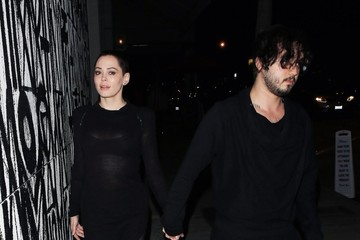Rose McGowan Rose McGowan Goes Out With Boots