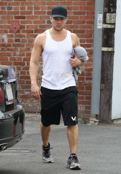 Ryan Phillippe - Ryan Phillippe Leaving The Gym