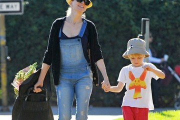 Samuel Schreiber Naomi Watts Stops By The Farmer's Market