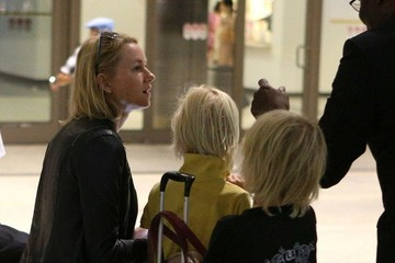 Samuel Schreiber Naomi Watts and Kids Arrive at LAX