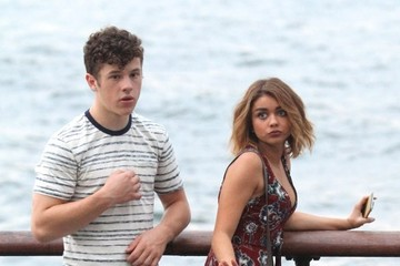 Sarah Hyland Nolan Gould Stars Film 'Modern Family' in NYC