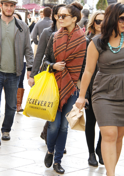 Sarah Roemer Stocks Up At Forever 21