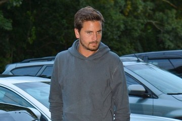 Scott Disick The Kardashian Clan Gets Dinner