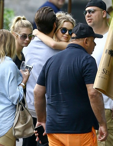 14bf527824572 Scott Disick Photos Photos - Scott Disick Goes Out for Lunch With ...