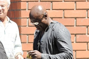 Seal Seal Takes His Boys Out For Lunch In Brentwood