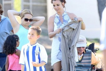 Sean Preston Federline Britney Spears Watches Her Boys Play Soccer