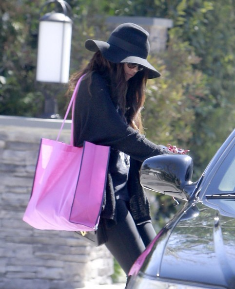 Actress Selena Gomez leaves her house in Encino, California on March 25, 2013.