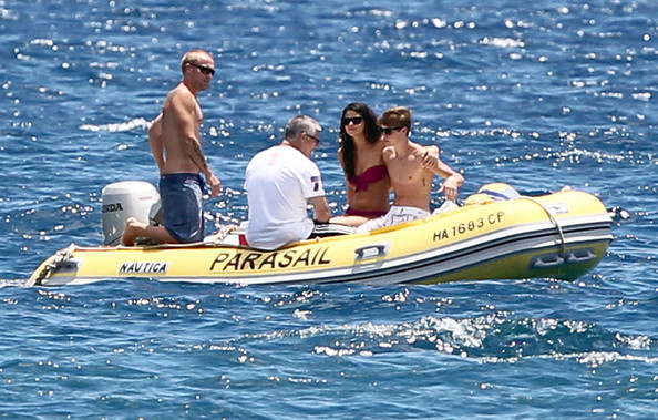 Selena Gomez Singer Justin Bieber and Selena Gomez enjoy a day at the beach in Maui, HI.