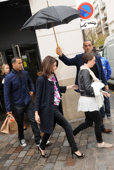 Selena Gomez Actress Selena Gomez leaves NRJ studios where she was promoting her new album in Paris. Afterwards she went to McDonalds then shopping on Hermes street.
