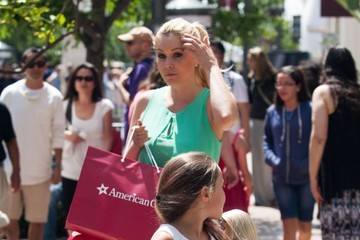 Shanna Moakler Shanna Moakler Takes Her Daughter Shopping