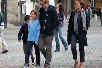 Claude Baker Simon Baker and His Family Vacation in Paris