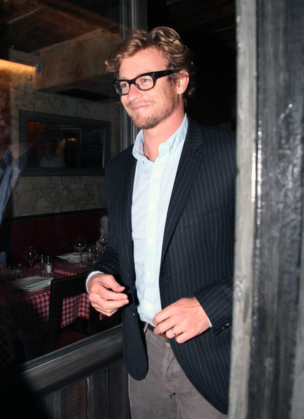Simon Baker Photos   Simon Baker And Wife Rebecca Shop And Dine In