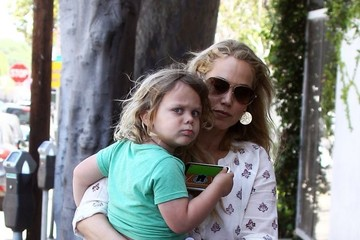 Sky Lauren Elizabeth Berkley Goes Out With Her Son