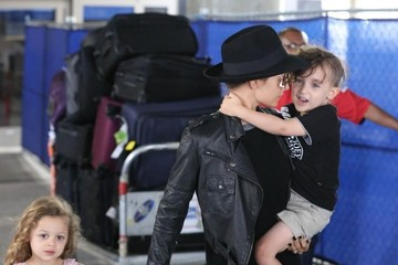Sparrow Madden Nicole Richie and Her Kids Arrive in LA