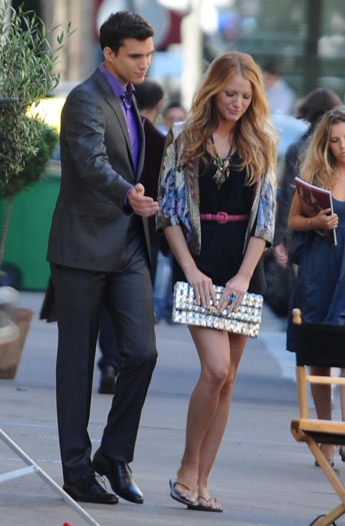 stars on the set of gossip girl in paris   zimbio