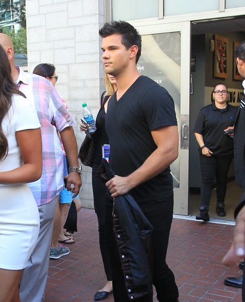 Taylor Lautner Photos Photos - Celebrities Are Seen at ... Taylor Lautner Movies