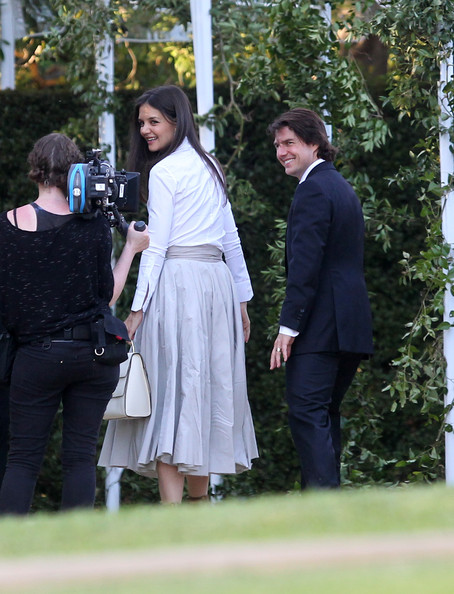 tom cruise and katie holmes wedding pictures. images Actor Tom Cruise and Katie tom cruise and katie holmes wedding.