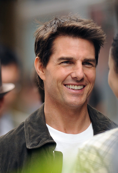 http://www3.pictures.zimbio.com/fp/Tom+Cruise+Tom+Cruise+Thanks+NYPD+While+Back+v06IB3PkbB4l.jpg