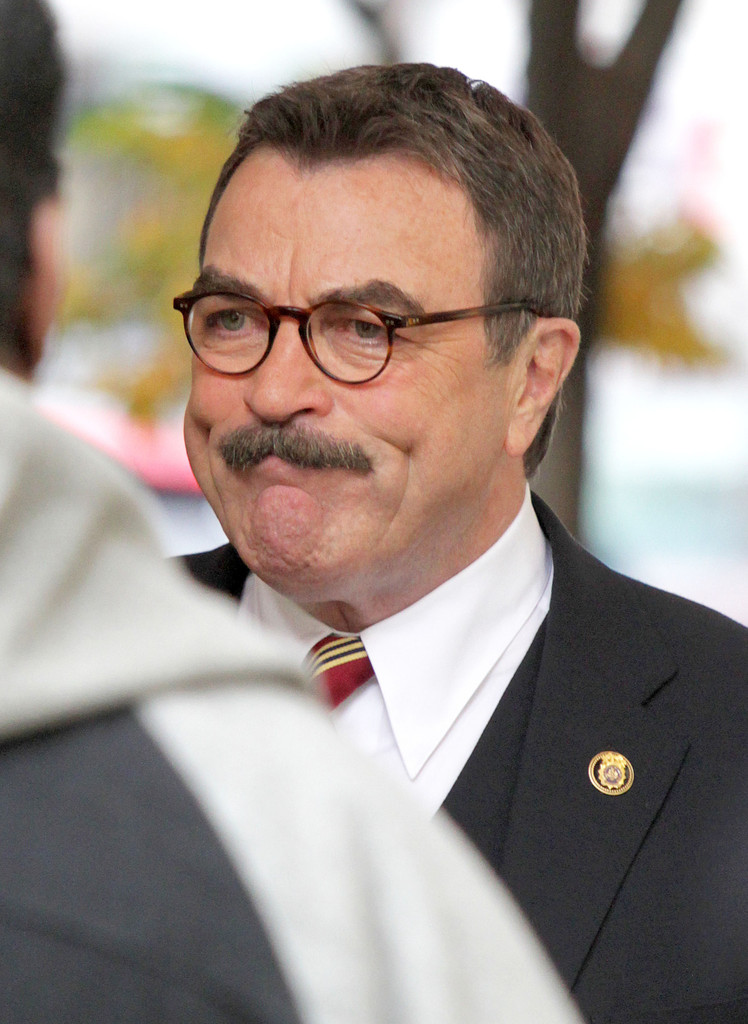 Tom Selleck - High quality image size 503x823 of Tom