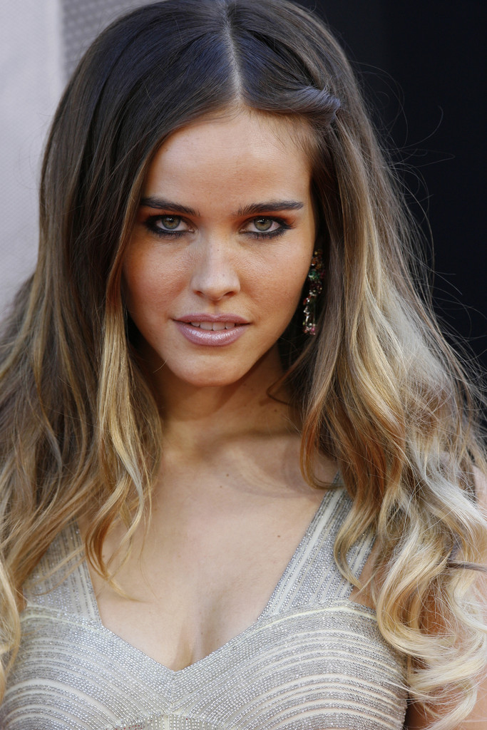 isabel lucas - photo #27