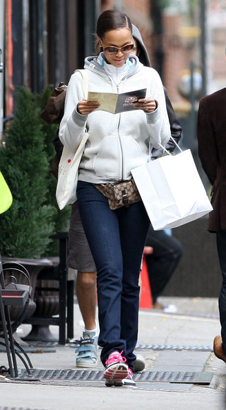 tyra banks no makeup. Tyra Banks Out In NYC Without