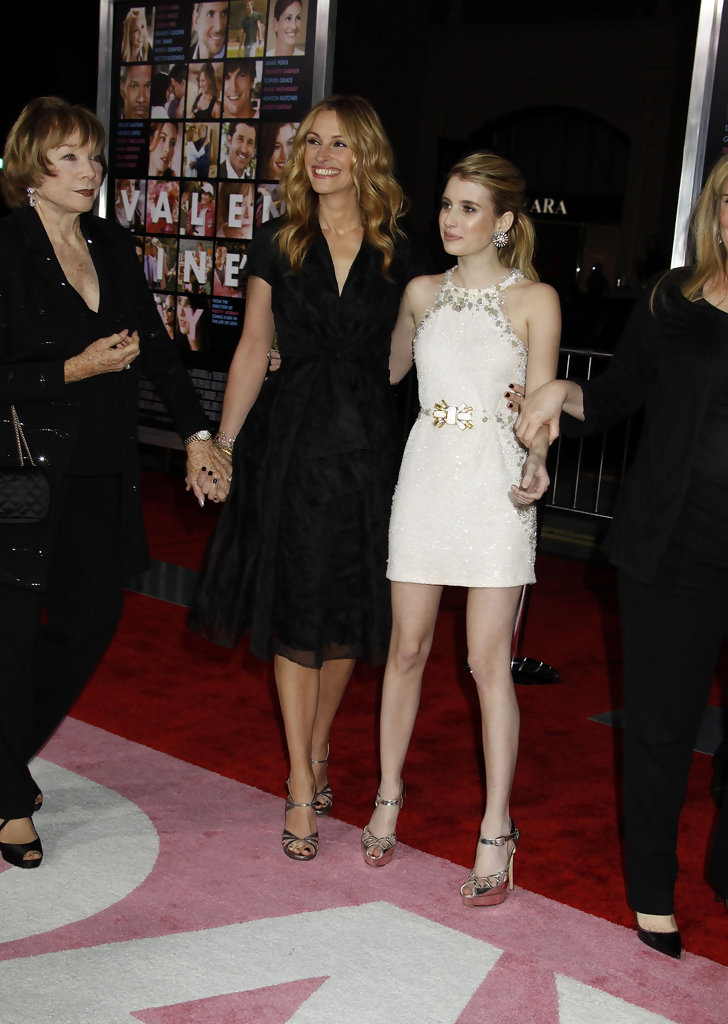 Julia Roberts and Emma Roberts Photos Photos - 'Valentine ...