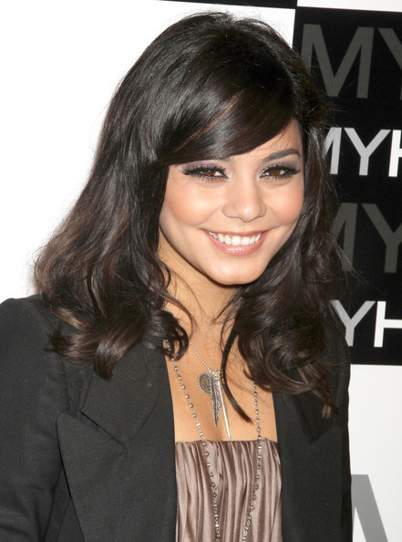 http://www3.pictures.zimbio.com/fp/Vanessa+Hudgens+MYHABIT+Launch+Party+cDyohvmmhgSl.jpg