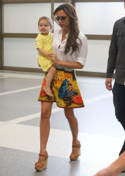 Victoria Beckham and Harper Beckham - Victoria Beckham & Family Departing On A Flight At LAX