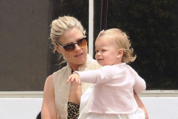 Vivienne MacArthur Ali Larter Goes Out for Lunch With Her Daughter