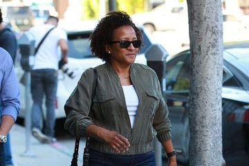 Wanda Sykes Wanda Sykes Goes Out for a Stroll in Beverly Hills