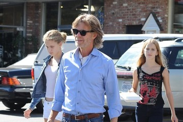 William H. Macy William H. Macy Takes His Daughters Shopping