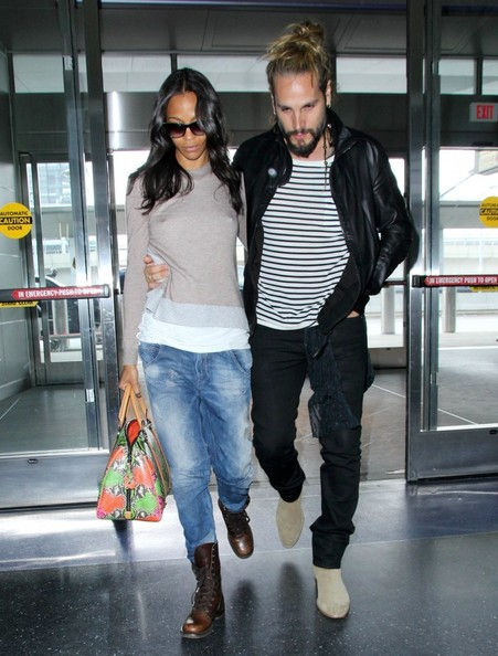 Zoe Saldana Catches a ...