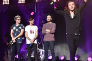 (L-R) Singers Niall Horan, Louis Tomlinson, Liam Payne and Harry Styles of musical group One Direction performs onstage during 106.1 KISS FM's Jingle Ball 2015 presented by Capital One at American Airlines Center on December 1, 2015 in Dallas, Texas.