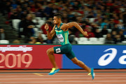 Wayde van Niekerk of South Africa competes in the Men's 200 metres semi finals during day six of the 16th IAAF World Athletics Championships London 2017 at The London Stadium on August 9, 2017 in London, United Kingdom.